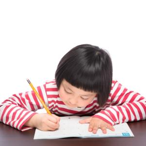 【小学校受験】お受験対策を早くから始めている子との差は大きい?