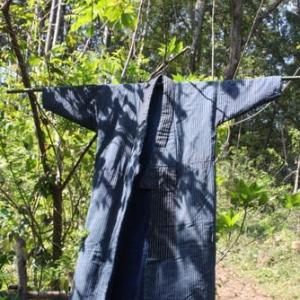 BORO=襤褸<らんる>の美学①/森に野良着を展示した[オンライン展覧会/野の壷・野の花・野の仏展<3>]