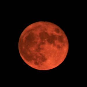 まんまる赤いお月さん