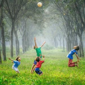 【オンライン育児座談会】新年度スタート!フランスでの子供の習い事どうしてますか?