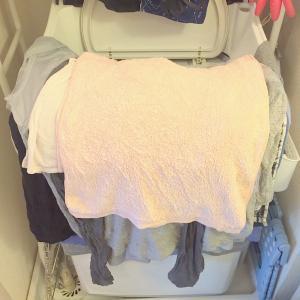 【時短】服のしわを減らす洗濯物の「たたみつけ」