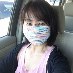 気分アゲアゲ!手編みマスク作っていただきました