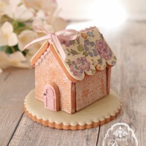 【レッスン案内】リバティお屋根のアイシングクッキーハウス