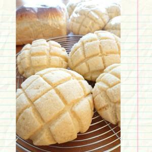 モッコモコメロンパン