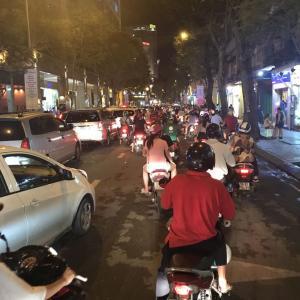 【ホーチミンの渋滞】バイク多過ぎて^_^