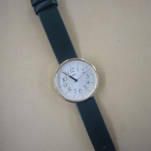 腕時計のカジュアルベルト。