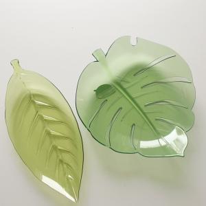 セリア☆ガラス風の葉っぱのお皿