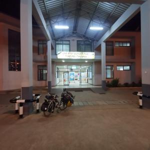 深夜1時にタンザニア入国。