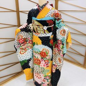 菊模様の振袖☆