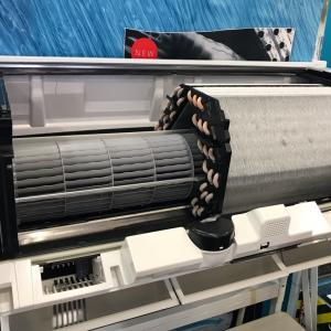 日立エアコン  ファンロボ凍結洗浄  解体ショー?