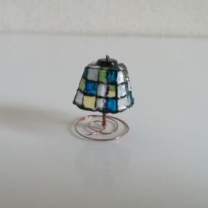 卵パックで作る、ミニチュアガラスランプの作り方