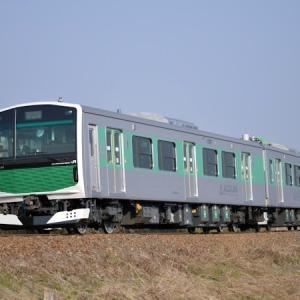 架線区間で充電し、非電化区間も走れる蓄電池電車EV-E301系とEV-E801系