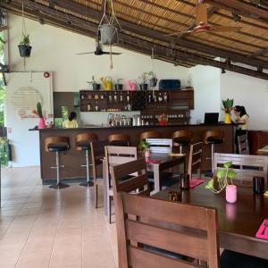 ヤンゴンからなんと8873kmにある都市からの贈り物レストラン!
