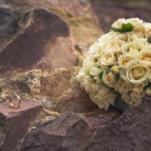 結婚相談所は10代も利用できる?登録条件や資格について解説