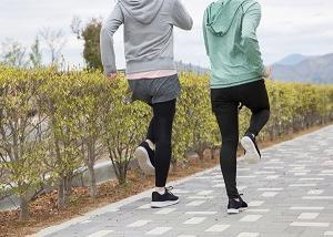 ウォーキングのダイエット効果と歩き方などの方法について