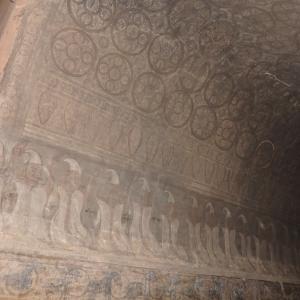 スラマニ寺院の壁画は圧巻