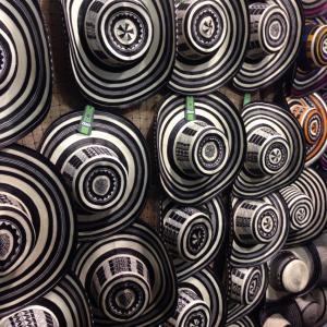 民芸品でコロンビア一周!伝統と文化が集結する2週間【民芸品の大展示即売会】