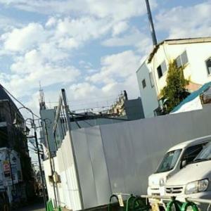 【JR稲田堤駅橋上駅舎化工事7・写真付き!】3階から2階あたりまで解体が進みましたね!・・・年内に1階までの解体、終わるんじゃないですか?