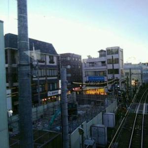【JR稲田堤駅橋上駅舎化工事10・写真付き!】解体開始からほぼ4か月、駅前ビルは更地になりました・・・年末に向けてのラストスパート、すごかったですね!