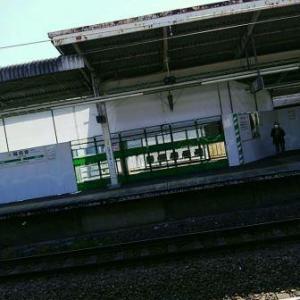 【JR稲田堤駅橋上駅舎化工事14・写真付き!】いやあ、驚いた、稲田堤駅のホームが狭くなってしまった!・・・完成図を見れば、線路を挟んで両側に二ヵ所ずつ入口ができるんですかね、まだよく分かりませんが