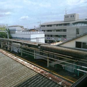 【JR稲田堤駅橋上駅舎化工事18・写真付き!】1年後にできる仮駅舎は南側、駐輪場の隣なんですなあ、個人的には有難い・・・2年半後には橋上駅舎が完成、4年後に全面利用開始ですか、あっという間ですよ、4年なんて
