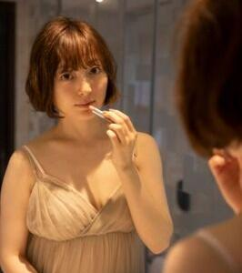 【朗報】声優の花澤香菜さん、30歳なのに写真を出してしまうwwwwwww