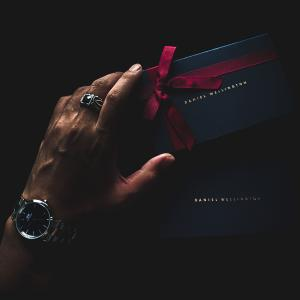 ダニエルウェリントン新作「Iconic Link」⌚️雰囲気写真レビュー。割引クーポン有。DW新作2019 腕時計シルバー×ブラック/36mm ざっくり使用感/感想