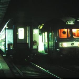 旧イタリア国鉄 異国のプラットホームにて 2001-11-20