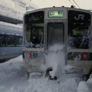 山形新幹線400系 雪に閉ざされた駅 2001-01-08