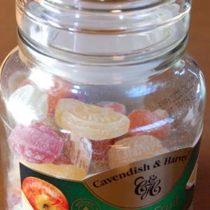 ドイツからやってきた瓶入キャンディー。