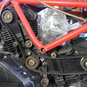 ドカティ350F3 タイミングベルトの交換