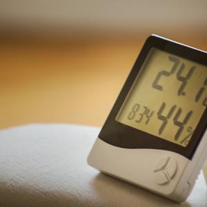 季節の変わり目は温湿度計をチェック!チェック!