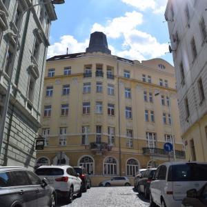 夏旅☆チェコ プラハのホテル「シアトリノ」と「ビストロ・シスターズ」でオシャレランチ