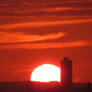 大阪平野を染める夕陽