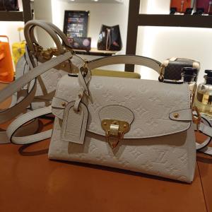 ★【群馬・よしこ姫さま】「素敵なルイ・ヴィトンのバッグをお迎えし、えこひいき♪を楽しめました」