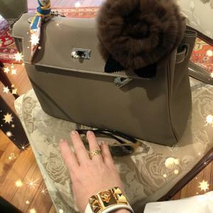 ★【ふじこ姫さま】エルメスのケリーバッグと可愛いふわふわ♪これはアイデア賞もの!