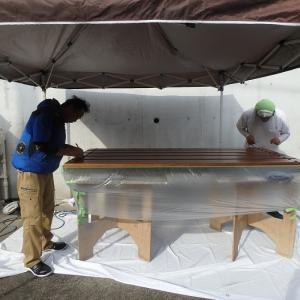 まるで… アンティークの高級家具の修復作業を見るような!? 輸入木製玄関ドアの驚愕の補修塗装!? せっかくの良い商品は、専門家に任せるべき!!