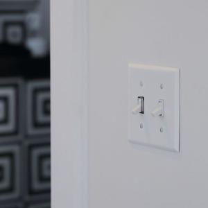 アメリカンスイッチのあるお部屋… 結構ジワジワくるんです!! デザイン性!?それとも機能性!? どちらもお勧めのスイッチ交換を忘れないで!!
