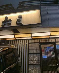 六三 南店の「豆腐と鶏肉のサラダ」と「ミックス焼」と「モチチーズ焼」と「野菜オムそば」