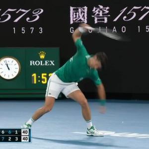ジョコビッチ「ンゴオオ!!(ラケット破壊)」相手選手「ヒェッ…怖いンゴ」←これwww