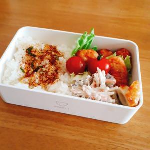 冷凍食品の鶏唐揚げ弁当