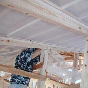 屋根断熱材の下地材…北斗市