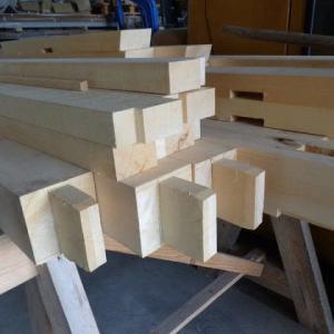 木造建築に収縮事象はつきもの…北斗市