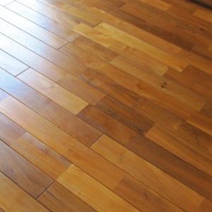 床のオイル仕上げと太陽光発電新制度
