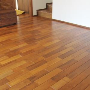 入居後、初めての床オイル塗り