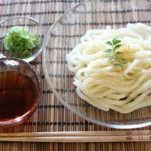 【短歌日記】これはいい! 稲庭風の 細うどん 手繰り寄せては つるりと喉へ /// 今日の昼食は、冷やしうどんでした。