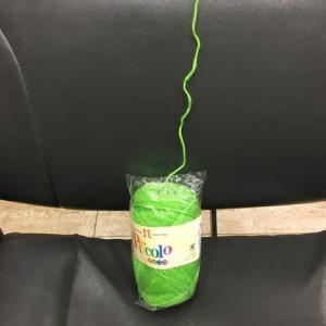 丸くした毛糸玉をスムースに編む