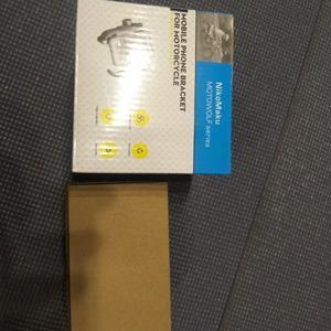 Amazonサイバーマンデーでアルミスマホホルダーを買ってみた!