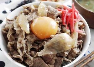 牛丼が食べたい!って事で吉野家さん風の牛丼を作ってみました!(^^)!