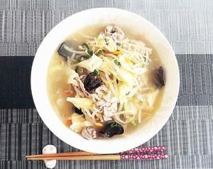 無性に食べたくなる中華定番の湯麺!ビールの〆が出来なけりゃ作るしかないよね(^。^)y-.。o○